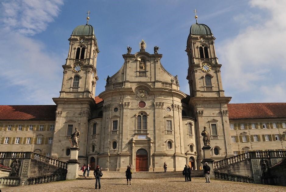 Kloster-Einsiedeln-Frontansicht